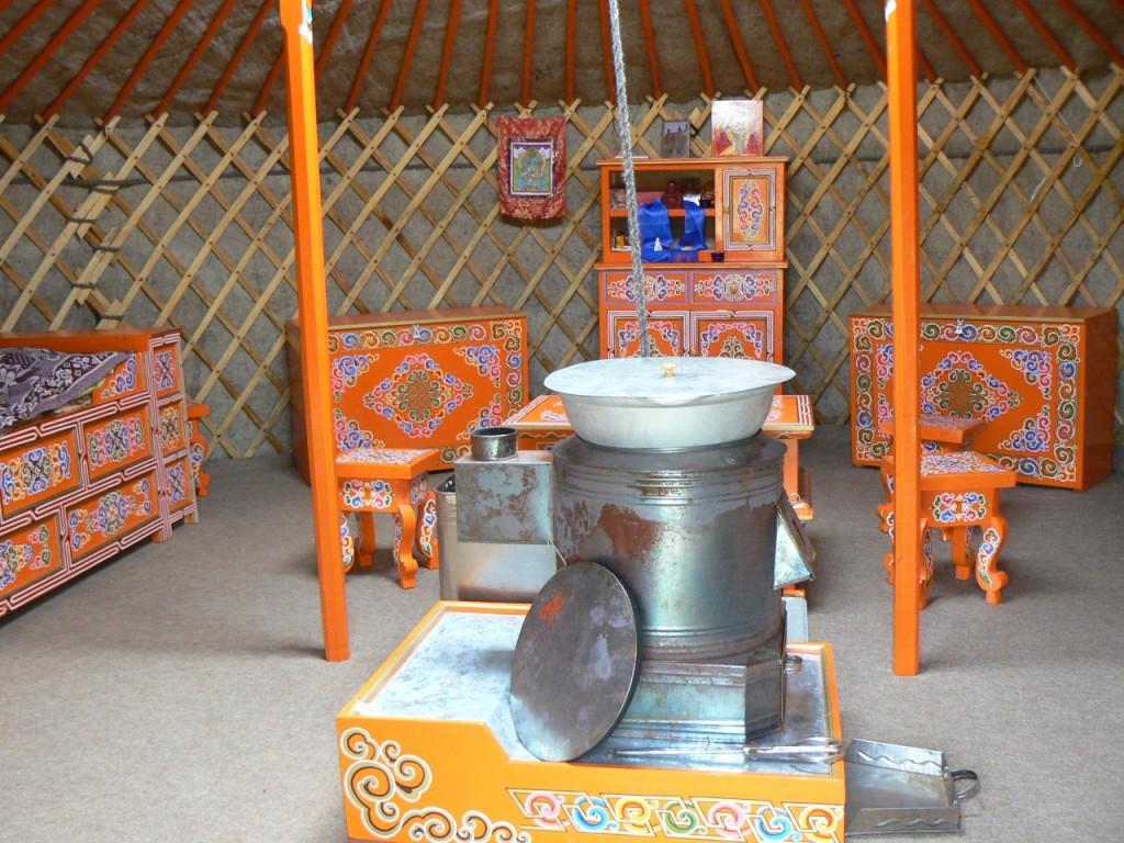 Mongolische Jurte innen