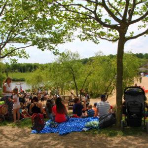 Familie Piknik im Sonnenlandpark